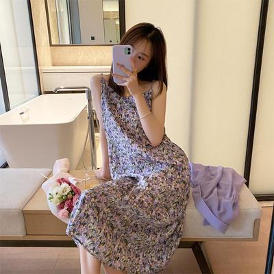 吊带连衣裙女2021夏季潮碎花裙性感修身气质复古V领油画紫色a字裙