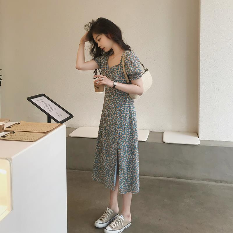 碎花连衣裙女装2020夏季新款中长款开叉泡泡短袖方领