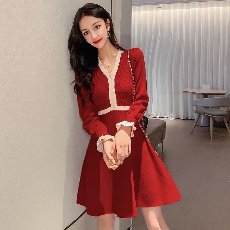 2020秋冬新款法式洋氣收腰小黑裙顯瘦撞色長袖針織打底連衣裙女裝