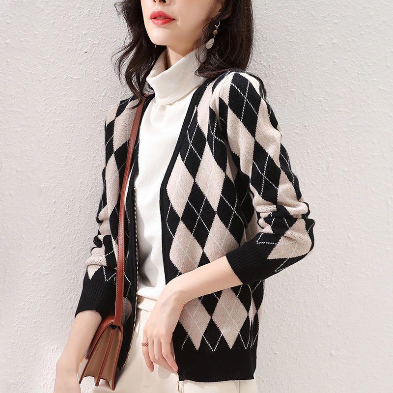 2020秋冬新款V領羊絨開衫女菱形格拼色寬松純羊毛拉鏈針織衫外套