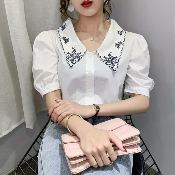 TS48788#胖mm衬衫女设计感小众新款夏复古宽松刺绣翻领泡泡袖上衣