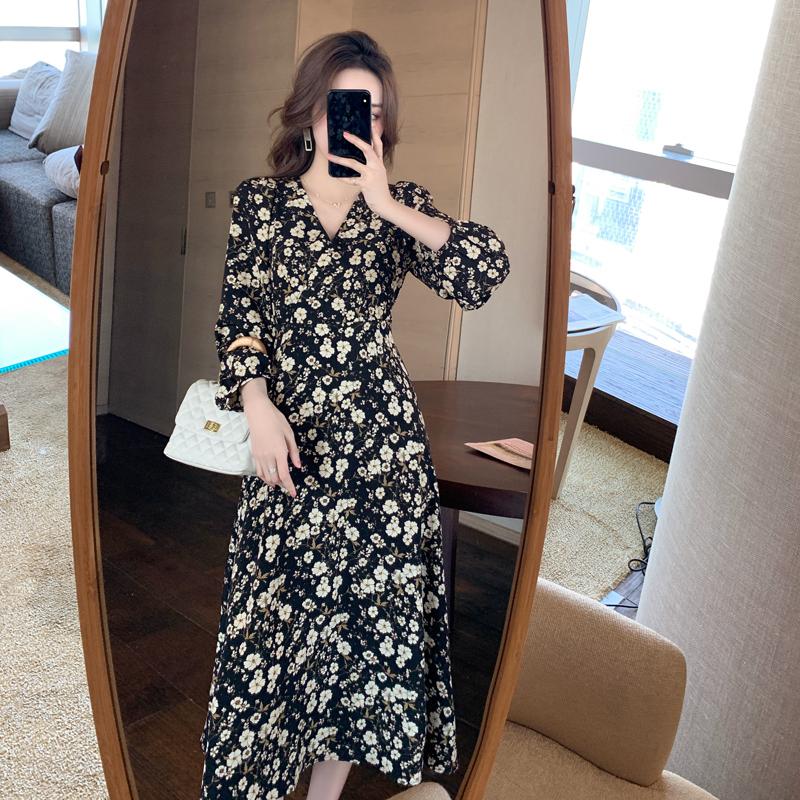 实拍春装法式裙子女气质长裙复古收腰雪纺V领显瘦打底碎花连衣裙