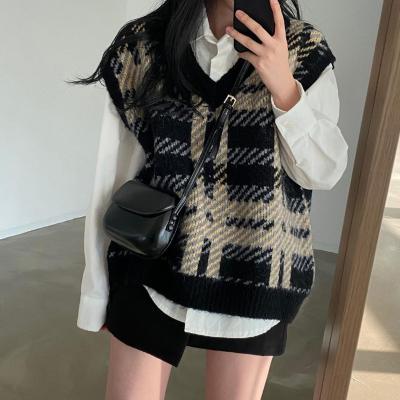 复古oversize格纹V领毛衣+白色衬衫套装 2021新春 现货