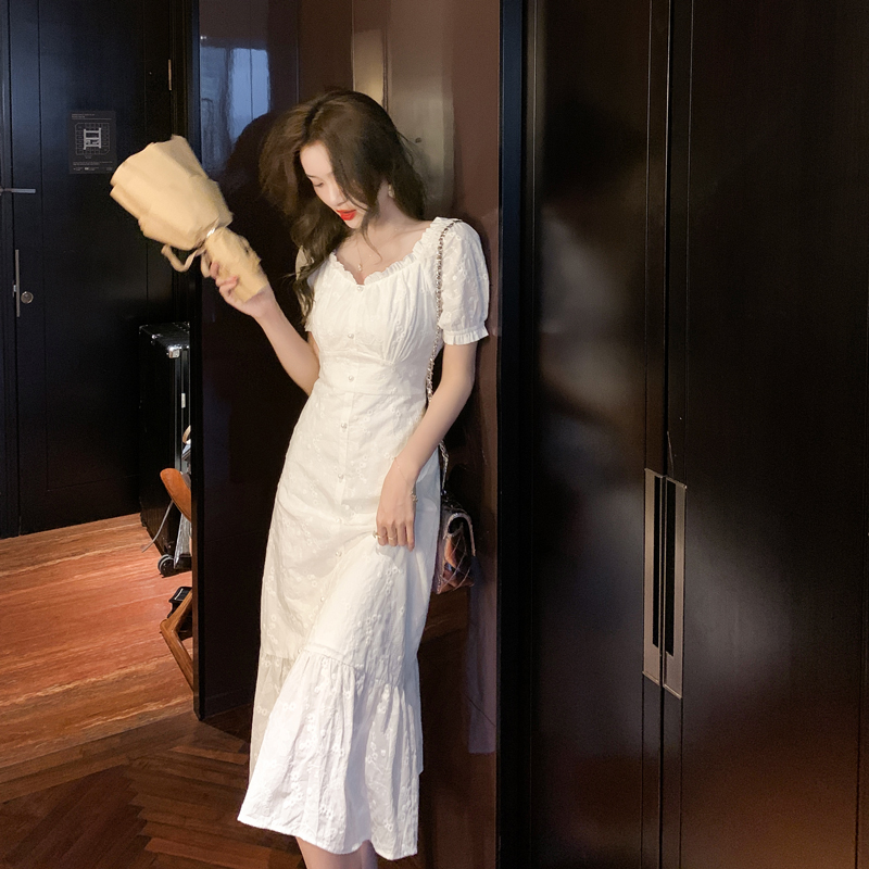 实拍2021夏季新款法式复古温柔风气质长裙泡泡袖白色连衣裙子女