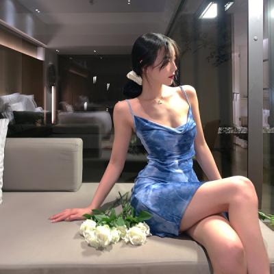 2021气质女神范吊带韩连衣裙夏小心机性感收腰显瘦蓝色短裙小个子