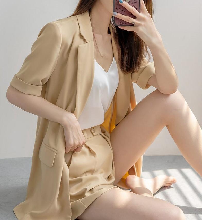 短袖小西装外套女夏季薄款休闲百搭西服短裤套装夏天2021新款上衣