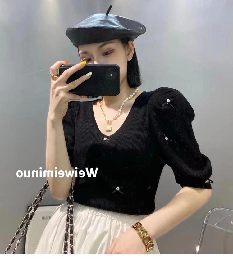 2021新款冰丝针织衫女韩版显瘦宽松订花V领百搭泡泡袖可爱上衣夏