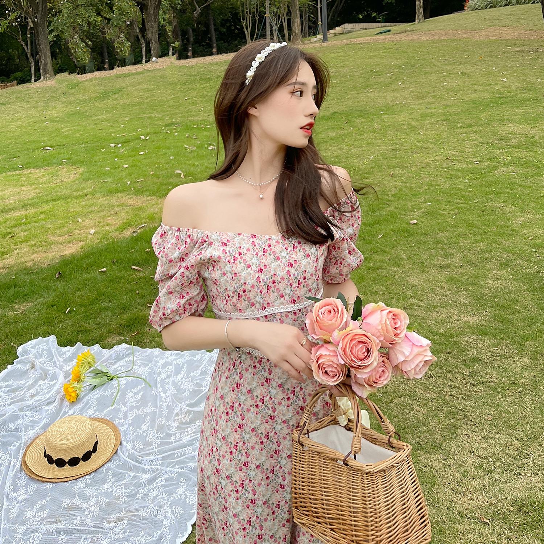 实拍实价夏季新款连衣裙法式纯欲风小V领碎花裙收腰显瘦一字肩裙