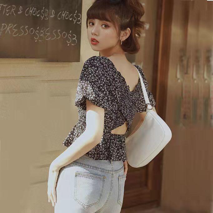 露背碎花雪纺衬衫女新款2021年夏装百搭修身方领泡泡袖褶皱上衣服