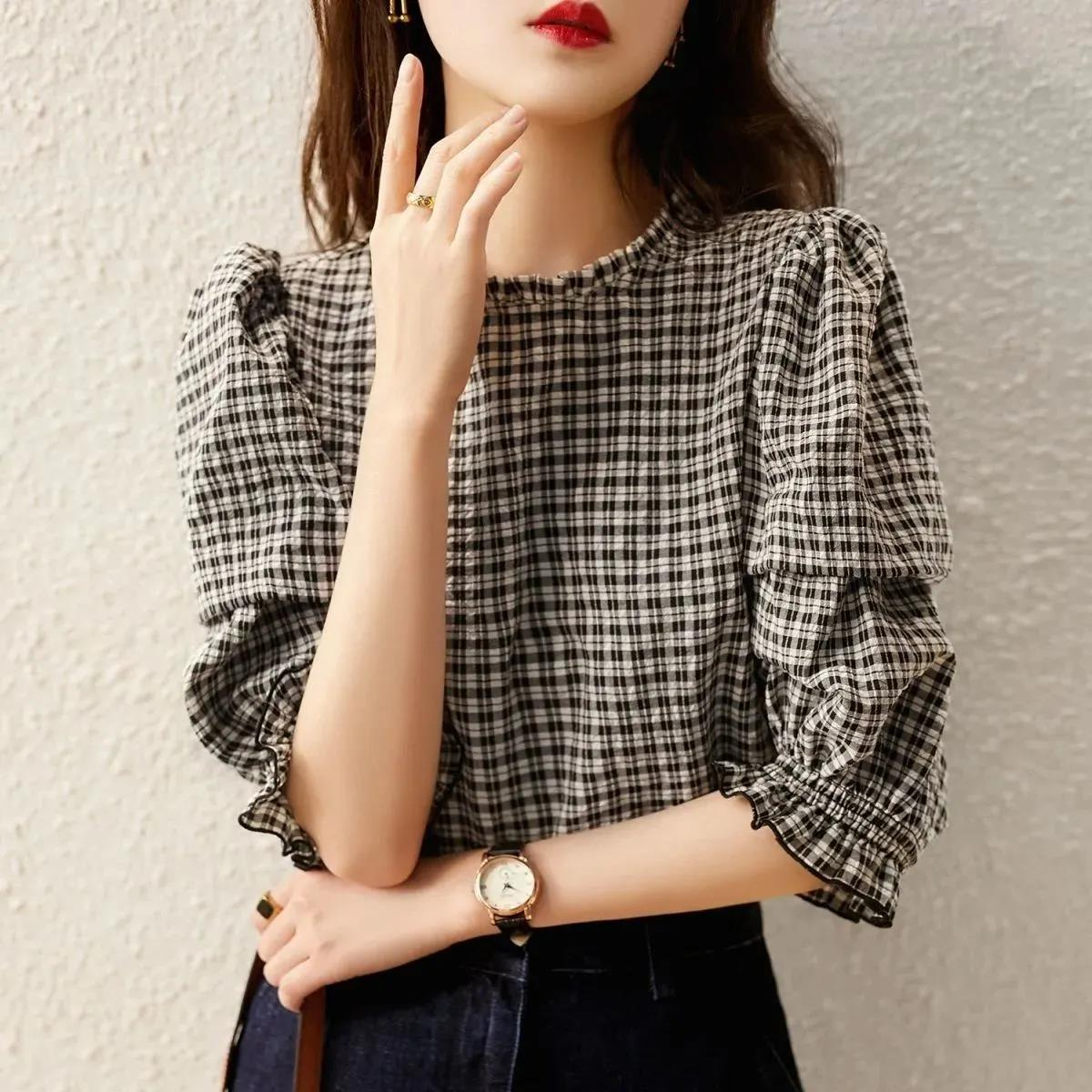 2021春夏新款韩版时尚百搭显瘦黑白格纹打底衫洋气五分袖衬衫女潮