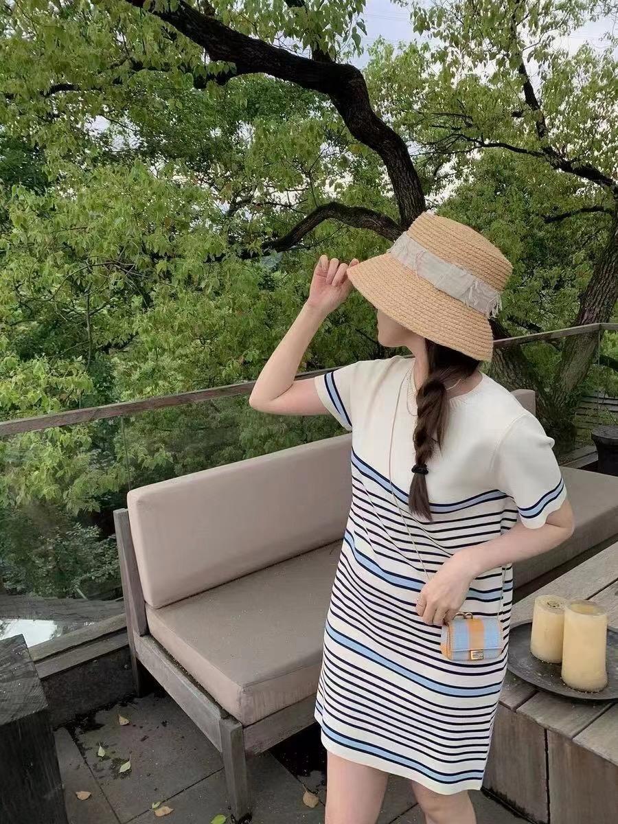 针织条纹拼接连衣裙女2021夏季新款T恤裙薄