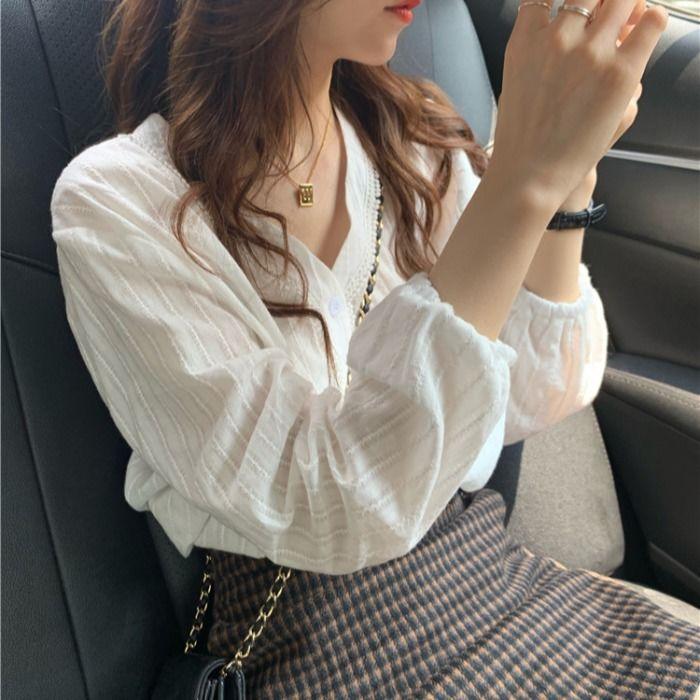 韩国chic元气满满早秋甜美减龄单排扣V领蕾丝边上衣百搭长袖衬衫