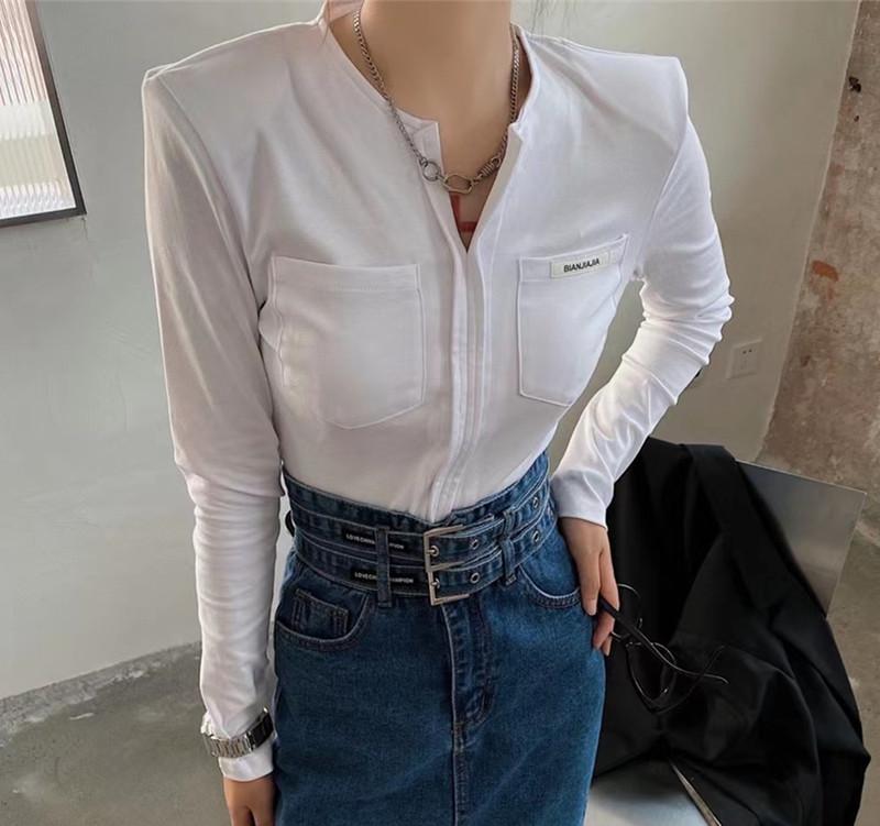秋季新款復古設計感小眾修身打底衫女口袋貼標字母顯瘦短款t恤