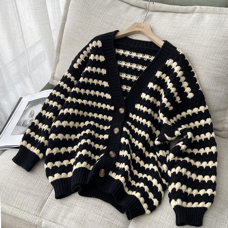 綿羊絨D278#官圖實價 秋寬松V領單排扣開衫撞色條紋提花毛衣外套