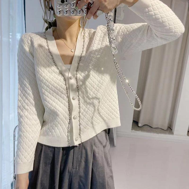 小香風立體菱格羊毛針織開衫女V領2021秋新款鏈條珍珠扣外穿毛衣