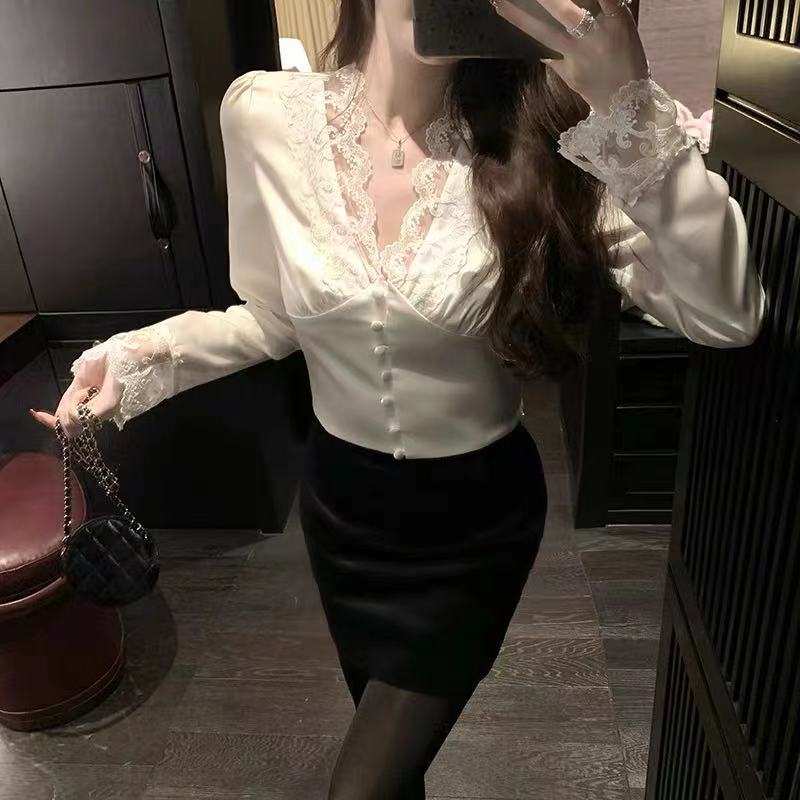 韩雨嘉【法式浪漫 迷人M*sier P*ris】高级人丝缎面蕾丝收腰衬衫
