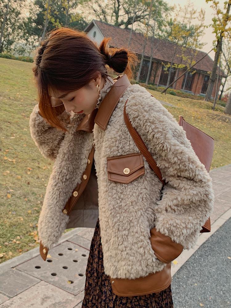 羊毛顆粒絨短款皮草上衣女2021冬裝新寬松時尚pu皮拼接羊剪絨外套