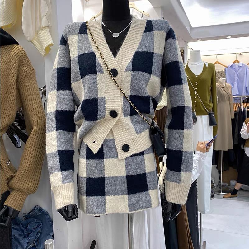 2021秋裝V領撞色格子針織開衫毛衣一步包臀半身裙時尚兩件套裝女