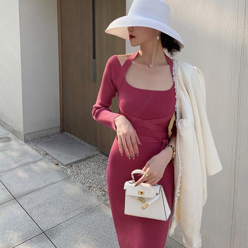 法式女神范綁帶針織連衣裙長袖掛脖設計感內搭裙大方領修身顯瘦裙