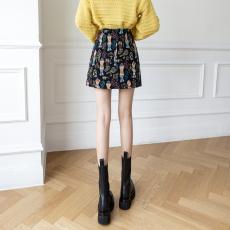 实拍2021冬季新款时尚显瘦高腰卡通图案加厚防走光a字半身裙女