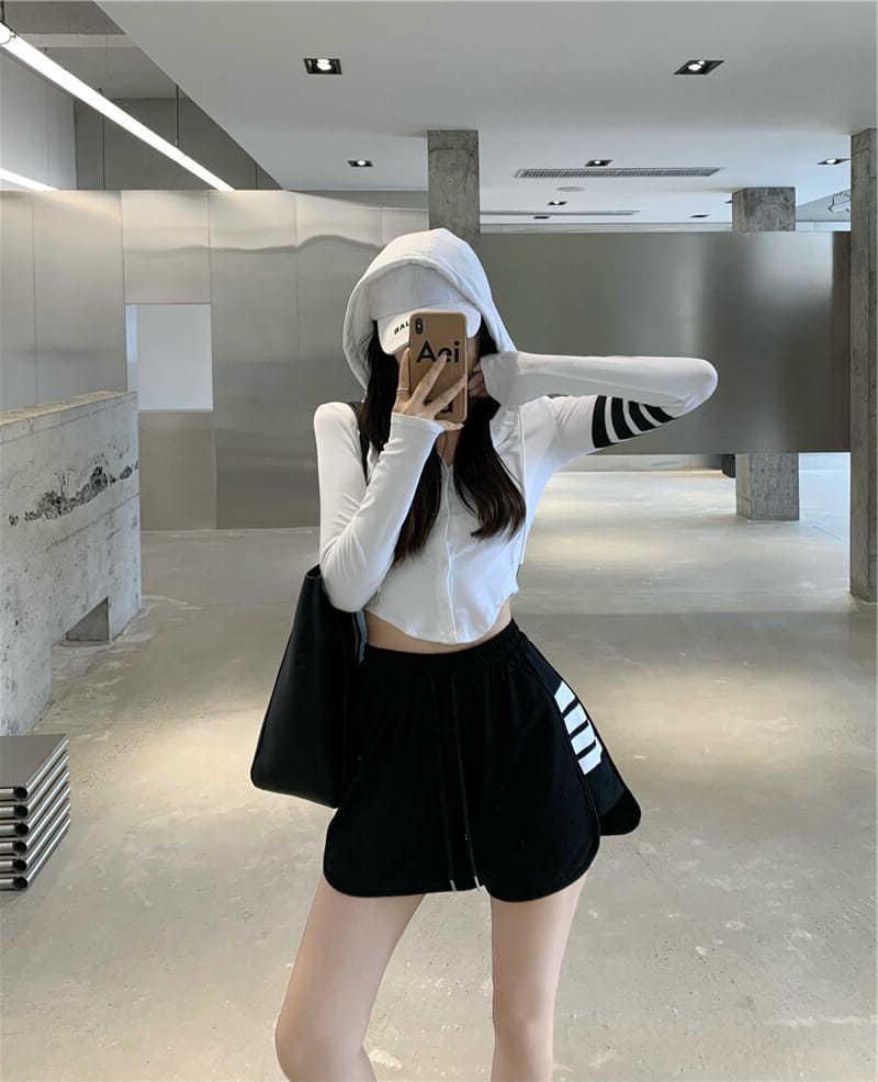 秋季新款短款不规则条纹连帽开衫T恤上衣+阔腿短裤子女套装两件套