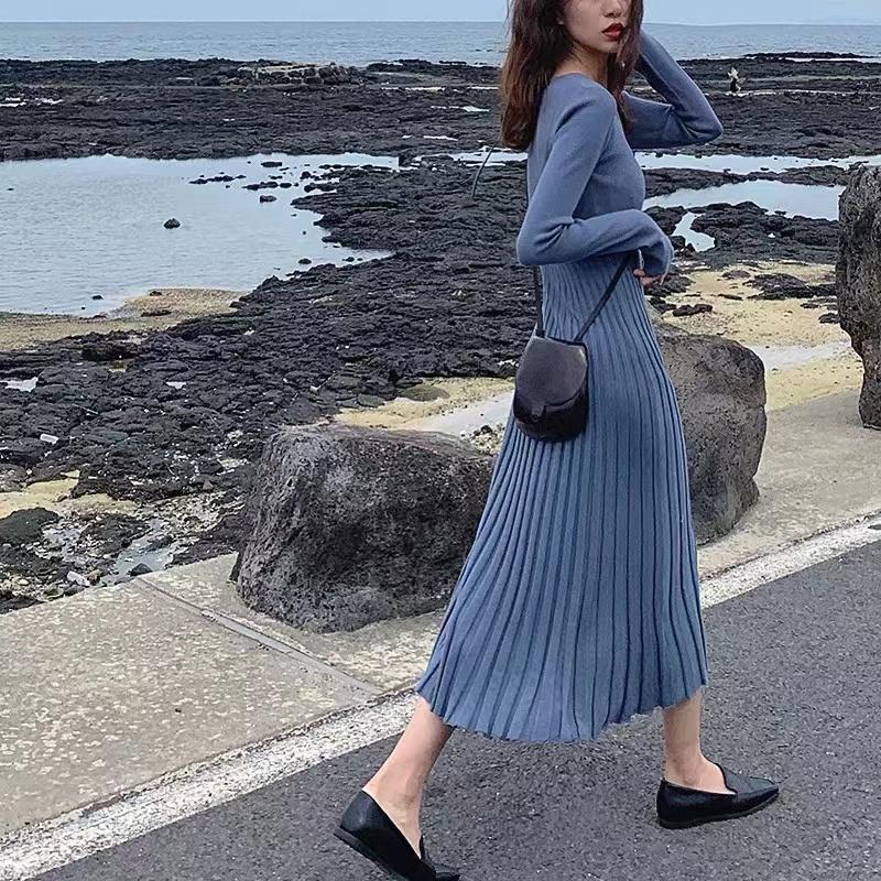 针织连衣裙女秋季新款韩国复古气质中长款收腰显瘦长袖打底毛衣裙