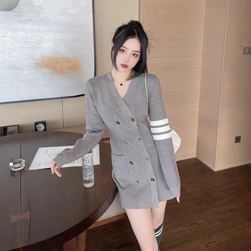 双排扣针织连衣裙女秋季韩版英伦风休闲时尚收腰学院百搭短裙