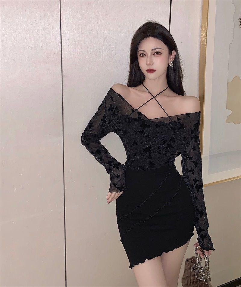 一字肩挂脖长袖连衣裙女秋季新款收腰黑色包臀裙性感纯欲风裙子潮